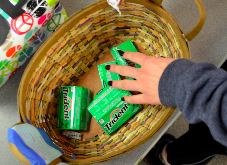 Give+Gum+to+Take+Gum